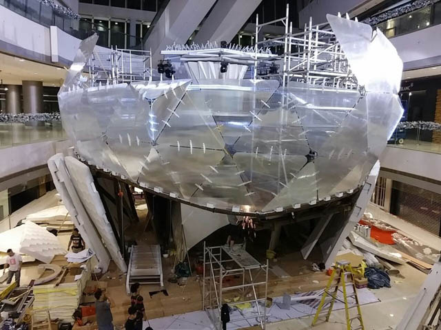 7245_The Snow Globe under construction_15